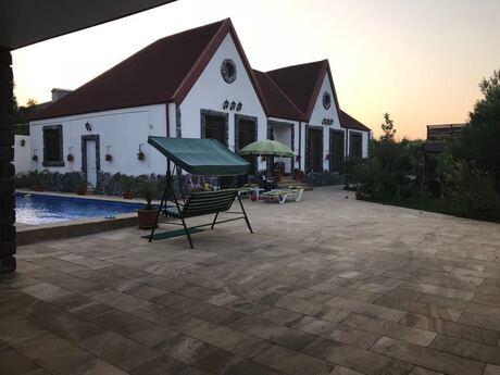Bağ - Şüvəlan q. - 350 m²