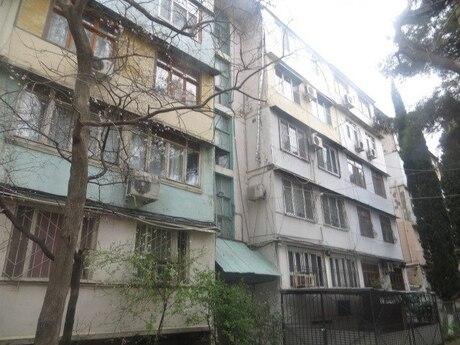 4 otaqlı köhnə tikili - Nəsimi m. - 100 m²