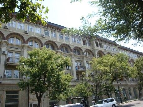 2 otaqlı köhnə tikili - Nəsimi r. - 68 m²