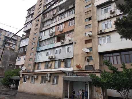 4 otaqlı köhnə tikili - Dərnəgül m. - 105 m²