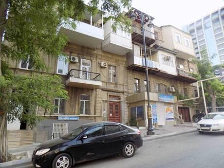 2 otaqlı köhnə tikili - İçəri Şəhər m. - 55 m²