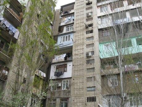3 otaqlı köhnə tikili - Qaraçuxur q. - 77 m²