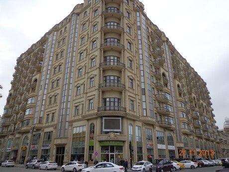 4-комн. новостройка - м. Сахиль - 196 м²