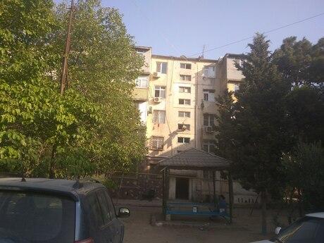4 otaqlı köhnə tikili - Neftçilər m. - 88 m²