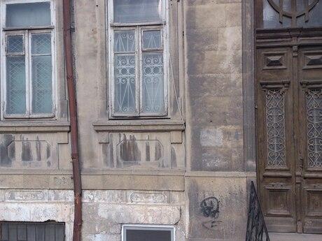 2 otaqlı köhnə tikili - Nizami m. - 100 m²