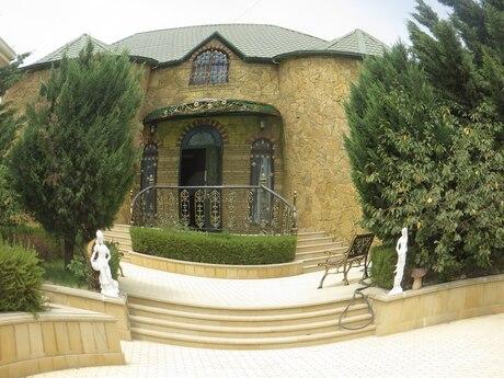 6 otaqlı ev / villa - Binəqədi r. - 320 m²