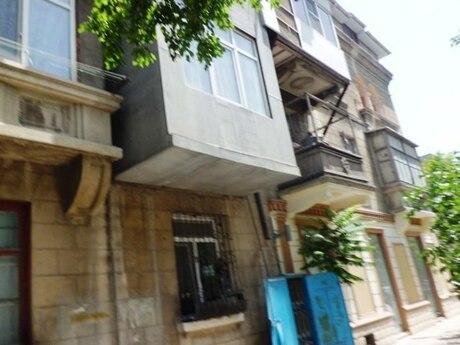 1 otaqlı köhnə tikili - Səbail r. - 40 m²