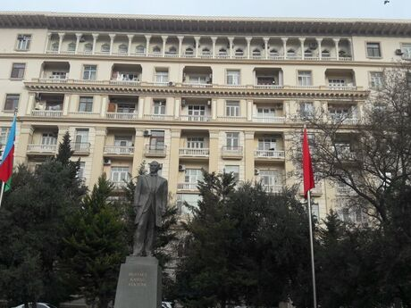 2 otaqlı köhnə tikili - Nəsimi r. - 75 m²