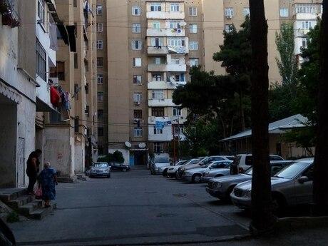 4 otaqlı köhnə tikili - Əhmədli q. - 97 m²