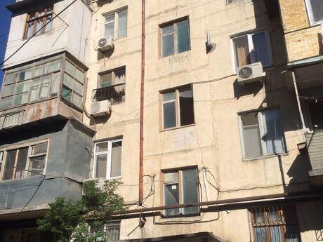 2 otaqlı köhnə tikili - 6-cı mikrorayon q. - 45 m²