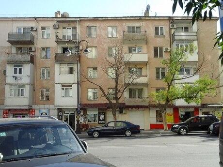 4 otaqlı köhnə tikili - Memar Əcəmi m. - 110 m²