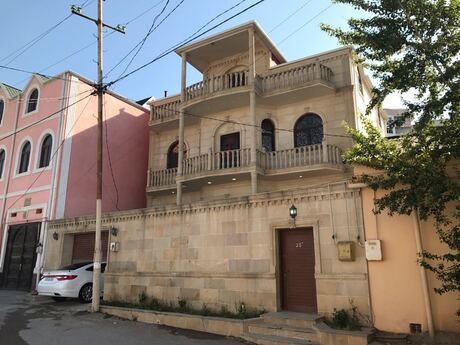 5 otaqlı ev / villa - Abşeron r. - 300 m²