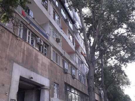 3 otaqlı köhnə tikili - İçəri Şəhər m. - 75 m²