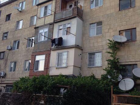 2 otaqlı köhnə tikili - Biləcəri q. - 50.5 m²