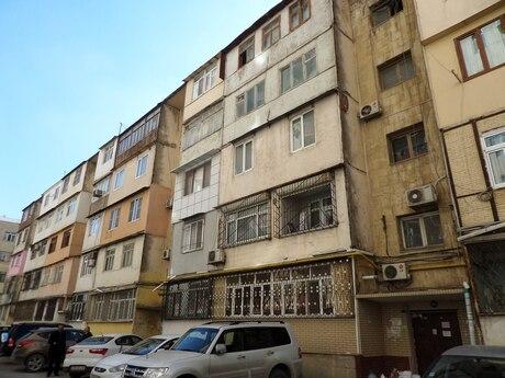 2 otaqlı köhnə tikili - 28 May m. - 53 m²