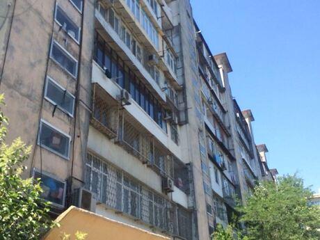 4 otaqlı köhnə tikili - Azadlıq Prospekti m. - 105 m²