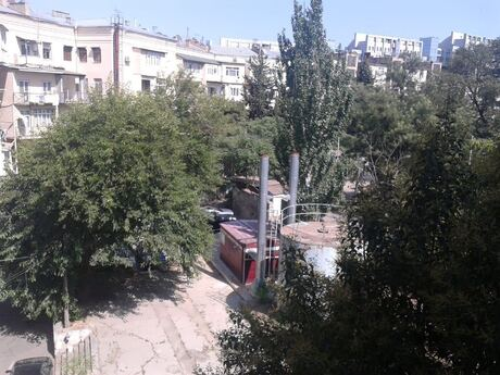 3 otaqlı köhnə tikili - Nəsimi r. - 75 m²