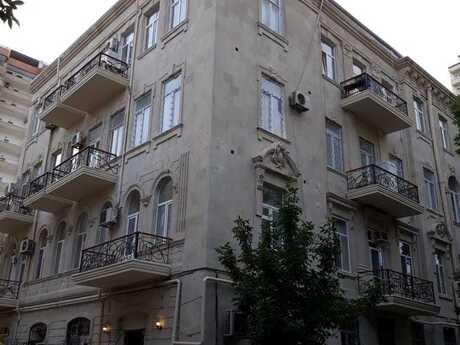 2-комн. вторичка - м. Сахиль - 82 м²