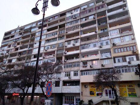 3 otaqlı köhnə tikili - Nəsimi r. - 74 m²