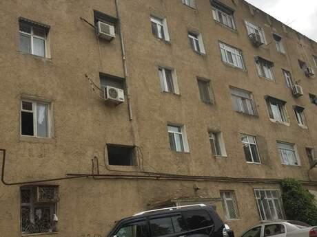 5 otaqlı köhnə tikili - Bakıxanov q. - 95.4 m²