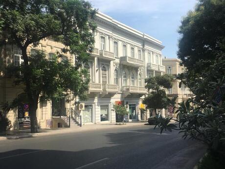 2 otaqlı köhnə tikili - İçəri Şəhər m. - 90 m²