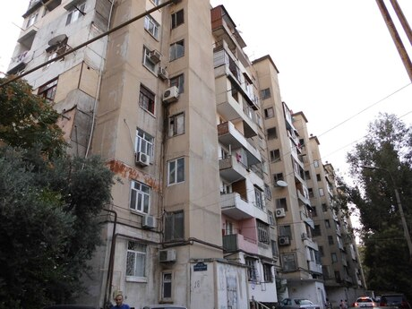 5-комн. вторичка - м. Проспект Азадлыг - 110 м²