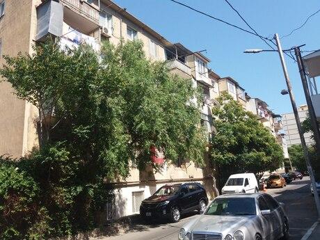 3 otaqlı köhnə tikili - Bayıl q. - 65 m²