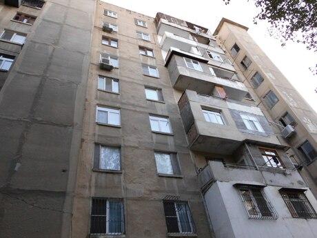 4 otaqlı köhnə tikili - Azadlıq Prospekti m. - 100 m²