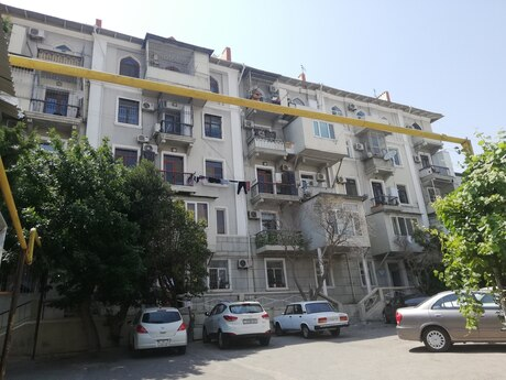 2 otaqlı köhnə tikili - Bayıl q. - 43 m²