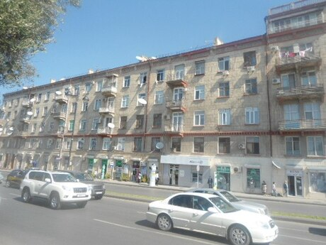 3 otaqlı köhnə tikili - Nəsimi r. - 90 m²