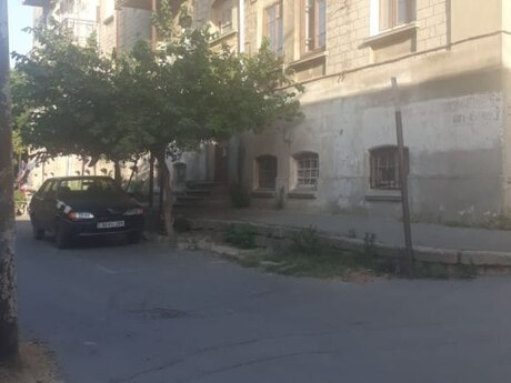 4 otaqlı köhnə tikili - Bülbülə q. - 108 m²