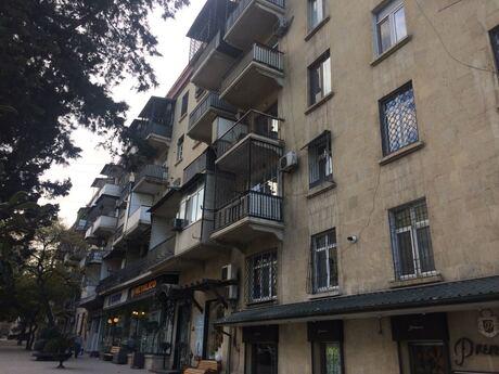 4 otaqlı köhnə tikili - Elmlər Akademiyası m. - 120 m²