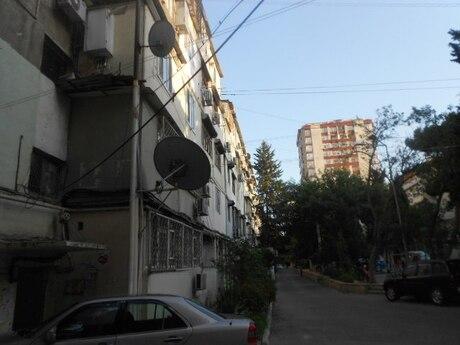 1 otaqlı köhnə tikili - İnşaatçılar m. - 45 m²