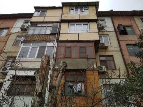 3 otaqlı köhnə tikili - 20 Yanvar m. - 58 m²