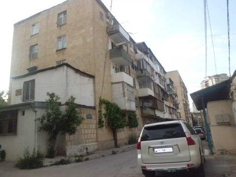 4 otaqlı köhnə tikili - Elmlər Akademiyası m. - 85 m²
