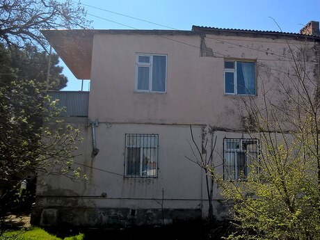 3 otaqlı köhnə tikili - Qaraçuxur q. - 100 m²