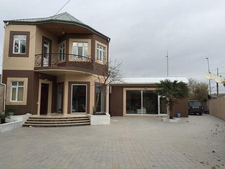 7 otaqlı ev / villa - Nizami r. - 400 m²