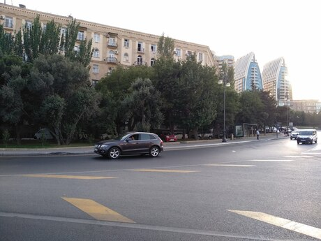 3 otaqlı köhnə tikili - İçəri Şəhər m. - 76 m²