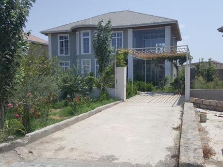 8 otaqlı ev / villa - Binə q. - 335 m²