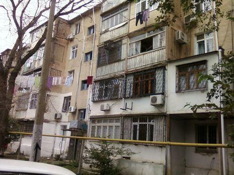 3 otaqlı köhnə tikili - Həzi Aslanov q. - 70 m²