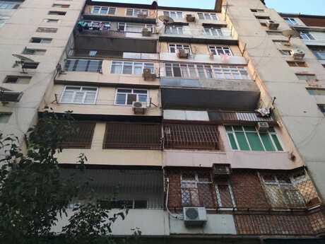 1 otaqlı köhnə tikili - 9-cu mikrorayon q. - 50 m²