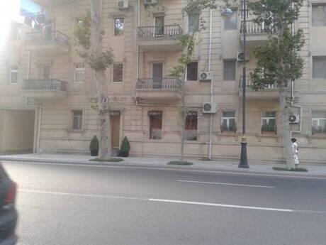 3-комн. вторичка - м. Сахиль - 75 м²