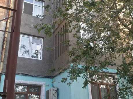 3 otaqlı köhnə tikili - Binə q. - 63 m²
