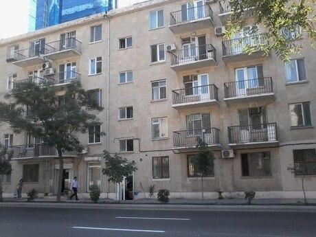 2 otaqlı köhnə tikili - 28 May m. - 70 m²