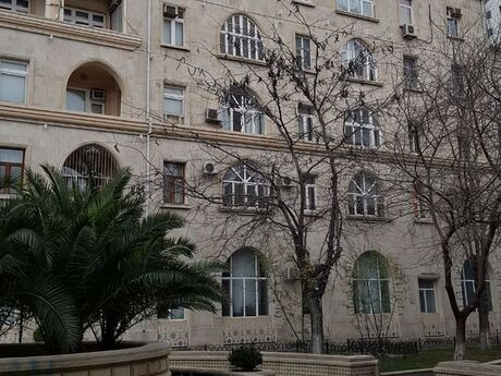 3 otaqlı köhnə tikili - Nəsimi r. - 84 m²