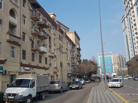 3 otaqlı köhnə tikili - İçəri Şəhər m. - 84 m²
