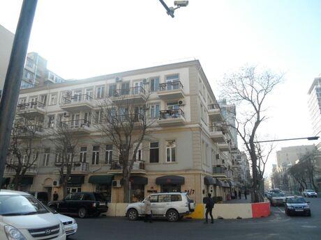 3 otaqlı köhnə tikili - Sahil m. - 85 m²
