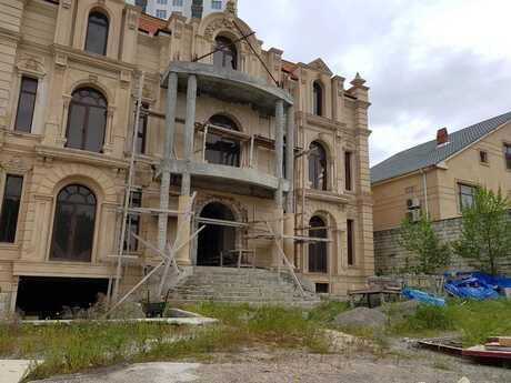 10 otaqlı ev / villa - Badamdar q. - 1200 m²