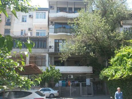 4 otaqlı köhnə tikili - Elmlər Akademiyası m. - 140 m²