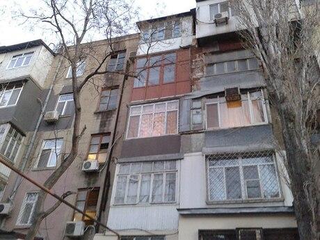 1 otaqlı köhnə tikili - Nəriman Nərimanov m. - 41 m²